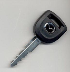 מפתח לרכב מאזדה 2 - ארז מנעולים